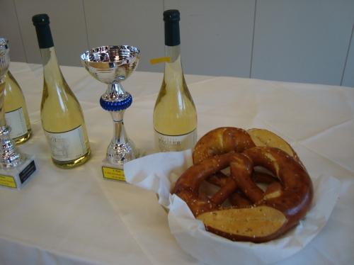 Sekt vom Weingut Pagler in Sooss und die Okoberbrez´n aus dem Backhaus Annamühle aus Baden und Bad Vöslau beim 1. Klopfer in Bad Vöslau